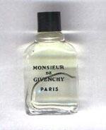 Photo©-  Monsieur plein hauteur 4,4 cm de Givenchy prix = 1 €