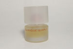 Photo © - Miniature Clinique Simply de Clinique prix = 1 €