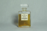 Photo © - miniature 5 de Chanel prix = 2 €