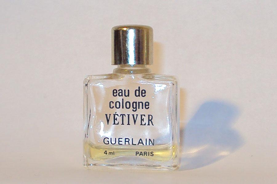Vetiver 4 ml, bouteille vide bouchon abimé de Guerlain