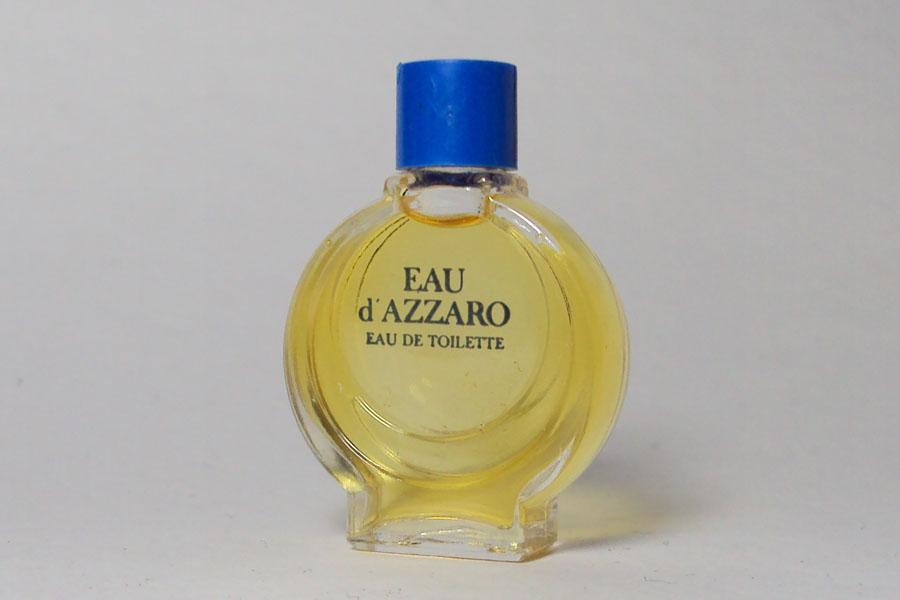 Azzaro Bouchon bleu hauteur 4 cm plein de Azzaro