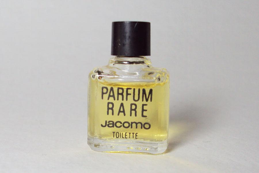 Parfum Rare Hauteur 3.2 cm plein toilette de Jacomo