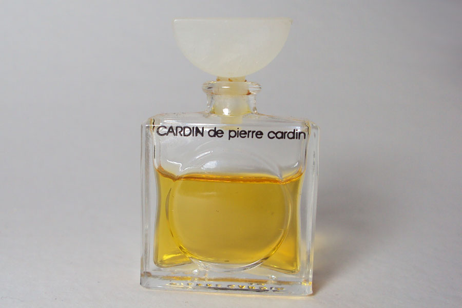 Cardin hauteur 4.3 cm presque plein de Cardin Pierre