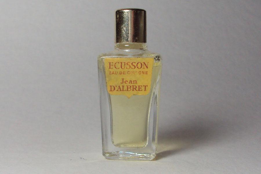 Ecusson Eau de Cologne Hauteur 4.5 cm étiquette très sale de Albret Jean D'