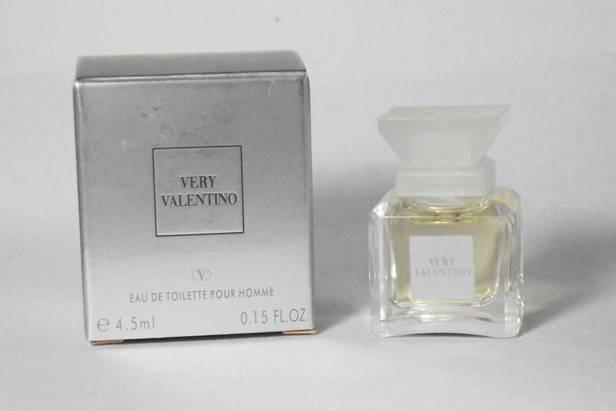 Very Valentino Eau de toilette pour Homme 4.5 ml boite sale de Valentino
